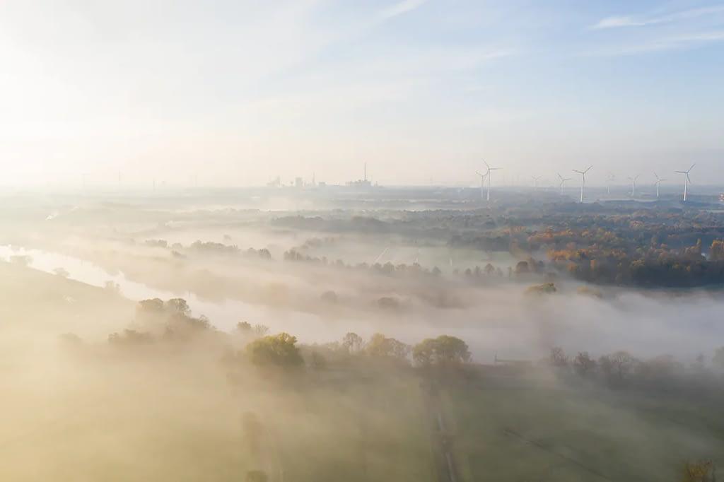 drohnenfotos luftaufnahme nebel bremen lesum