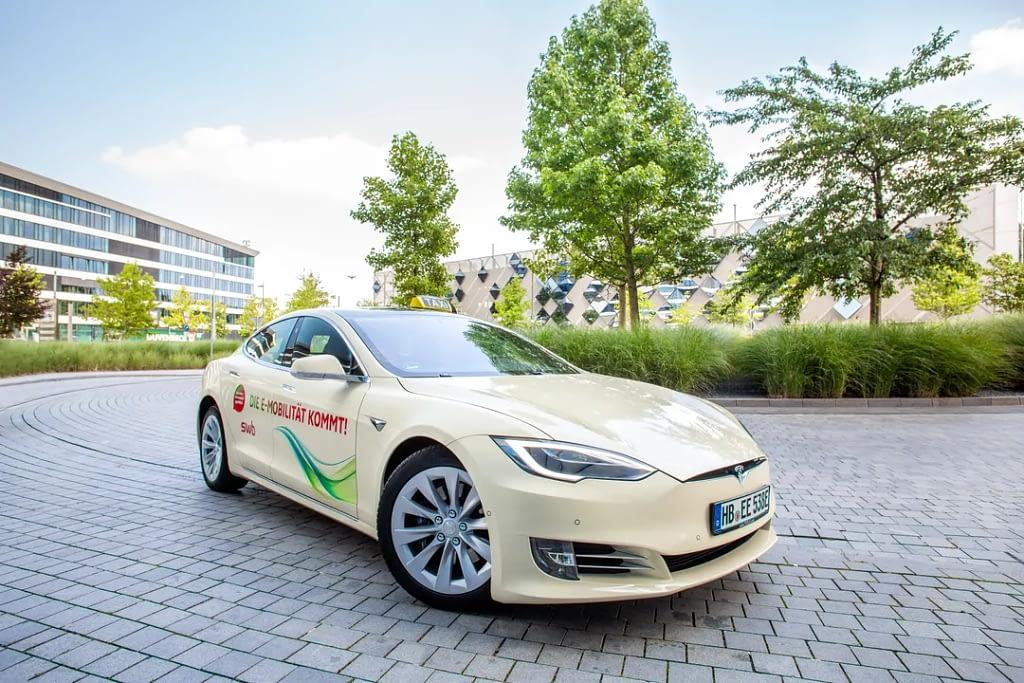 Fahrzeug Fotografie Bremen Tobias Mittmann Tesla Taxi