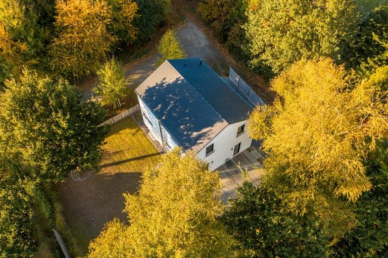 Drohnenfoto Luftaufnahme Ferienhaus Immobilie